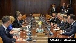 UN - UN Secretary-General Ban Ki-moon meets with Armenian President Serzh Sarkisian, New York, 29Sep2015.