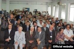 Sa osnivačke skupštine Bošnjačke akademije nauka i umjetnosti, Novi Pazar, juni 2011.
