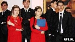 Туркменские студенты. Иллюстративное фото.