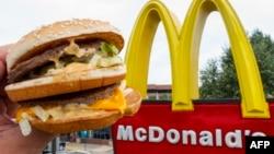 Справу про захист торгової марки розглядали в рамках спору McDonald's з ірландської мережею швидкого харчування Supermac's