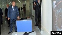 Министр оборонной промышленности Азербайджана Явер Джамалов, 2011
