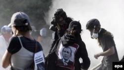 Полиция применила газ и дубинки против противников саммита в Монтебелло