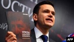 Политик Илья Яшин уверен: власть Кадырова в Чечне представляет угрозу для нацбезопасности России