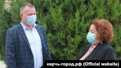 Повідомляється, що посла зустрічав голова російської адміністрації Керчі Сергій Бороздін