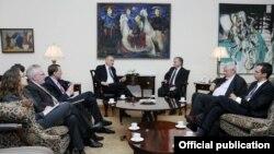 Налбандян принял сопредседателей МГ ОБСЕ и выразил им свое возмущение в связи с делом Сарыбекяна, Ереван, 6 октября 2010