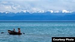 Озеро Иссык-Куль.