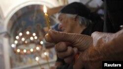 Что касается празднования Пасхи в храме Рождества Пресвятой Богородицы, то государственные СМИ обошли его молчанием