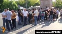 Акция протеста представителей СМИ на площади Свободы в Ереване, 10 августа 2016 г.