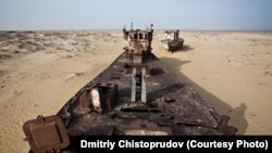 Uzbekistan -- (ONLY FOR UZBEK SERVICE'S WEBSITE, AUTHOR'S REQUEST) Abandoned ship in shrinking Aral sea, Uzbekistan