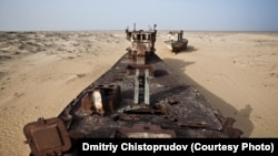 Uzbekistan -- (ONLY FOR UZBEK SERVICE'S WEBSITE, AUTHOR'S REQUEST) Abandoned ship in shrinking Aral sea, Uzbekistan