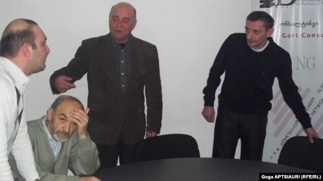 გორში სახალხო დარბაზის წევრები ყოფილ პოლიტიკურ პატიმრებს შეხვდნენ