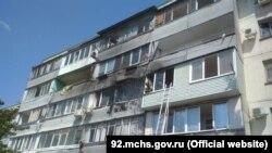 Пожар на улице Лизы Чайкиной в Севастополе, 26 июля 2020 год