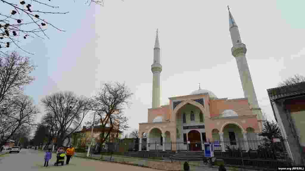Мечеть Рефат Веліулла на вулиці Луначарського