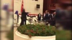 Türkiyə parlamentində yumruq davası
