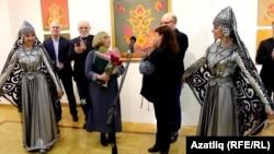"""Казанның """"Хәзинә"""" галереясендә күргәзмә ачылышы"""