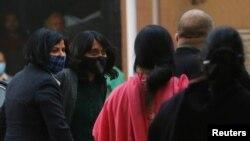 Diša Ravi, dolazi na delhijski sud, 19. februara