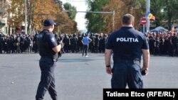 Polițiști la Chișinău
