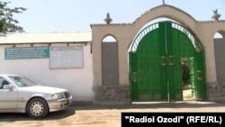 Кладбище кишлака Багалак Гиссарского района, где был похоронен один из заключенных - Валиджон Одинаев. Журналистам не разрешили присутствовать на похоронах.
