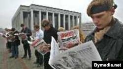 Несмотря на протесты, ситуация со свободой белорусских СМИ становится только хуже