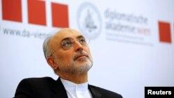 علی اکبر صالحی ۶۸ ساله در چهار سال گذشته سکان سازمان انرژی اتمی ایران را در دست داشته است.