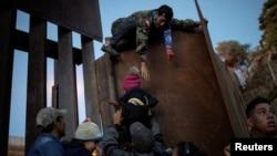 Муҳоҷирон дар марзи Мексика