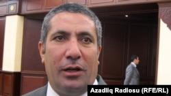 Заместитель исполнительного секретаря правящей партии «Ени Азербайджан», депутат ММ Сиявуш Новрузов.