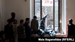 Активисты объединение учащихся ТГУ «Аудитория 115» предупреждают, что расходиться не намерены