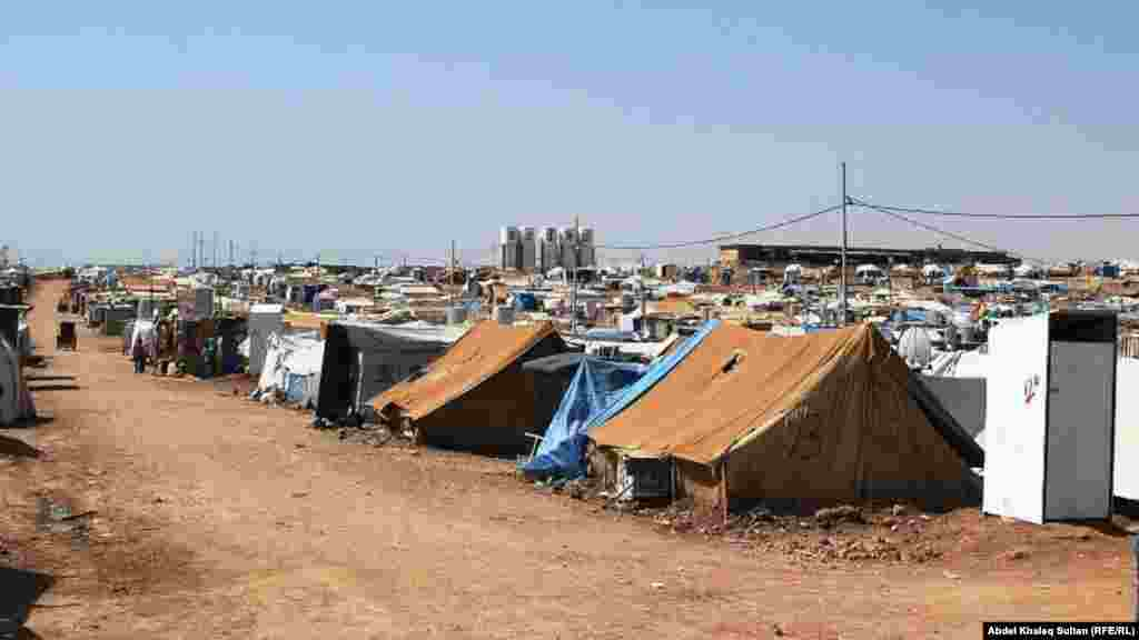 The refugee camp in Domeez