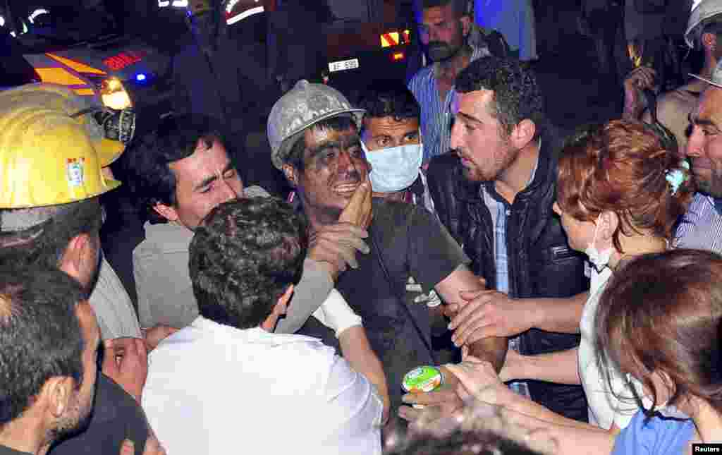 Спасенный турецкий шахтер.