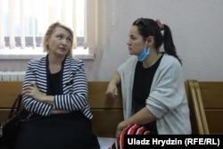 Сьвятлана Ціханоўская з адвакаткай