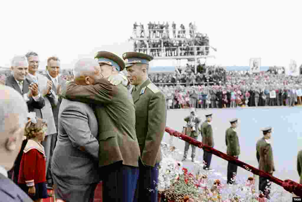 Another angle of the 1962 event shows Khrushchev mid-kiss. The socialist fraternal kiss was usually reserved for the cheeks, but as enthusiasm for communist utopia began to wane, stately kisses only grew in passion.