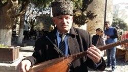 """Ağəmməd Rzayev: """"Kasıbçılıqdı. 30 ildir aşıqlıq edirəm. 4 uşağım var"""""""