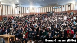 Students gathered atTehran University to hear president Rouhani's adviser and ask tough questions. Sunday, December 09, 2018.