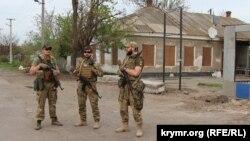 Бійці патрулюють вулиці Новоолексіївки на Херсонщині