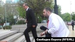 Делян Пеевски при едно от редките си влизания в Народното събрание