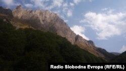 Долината Лешница на Шар Планина.