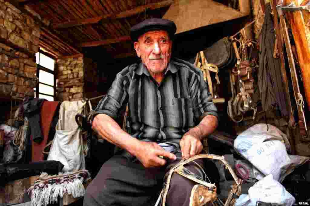 In Azerbaijan, An Ancient Art On The Wane #15