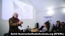 Монтажер і продюсер фільму, батько режисерки Юрій Луговий