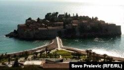 Montenegró jó nyaralóhely, a nemzeti valuta euró, de az uniós csatlakozási tárgyalások még váratnak magukra