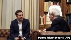 Премиерот на Грција Алексис Ципрас и грчкиот претседател Прокопис Павлополус