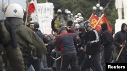 Немирите на протестите против мерките за штедење во Грција