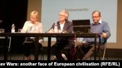 """Профессор Йерков с коллегами на конференции """"Югославские войны: другое лицо европейской цивилизации?"""""""