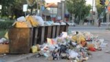 Kyrgyzstan -- Bishkek garbage, 17Jul2014