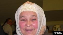 Әминә Кәримова, милләтеннән ваз кичкән хатыннарны азуда, эчкечелеккә бирелүдә гаепли