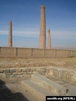 آرشیف، منارهای مصلی در هرات