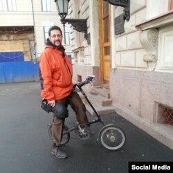 Александр Карпов на велосипеде