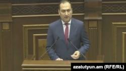 И. о. министра юстиции Артак Зейналян (архив)