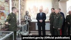 Аляксандар Лукашэнка падчас сустрэчы з курсантамі, слухачамі і прафэсарска-выкладчыцкім складам Вайсковай акадэміі, 22 лютага 2019 году
