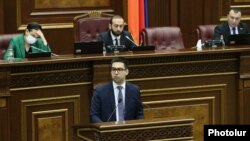Armenia -- Justice Minister Rustam Badasian speaks in the National Assembly, Yerevan, March 30, 2020.