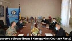 Ministar odbrane BiH Sifet Podžić na sastanku sa komandantom NATO štaba u Sarajevu